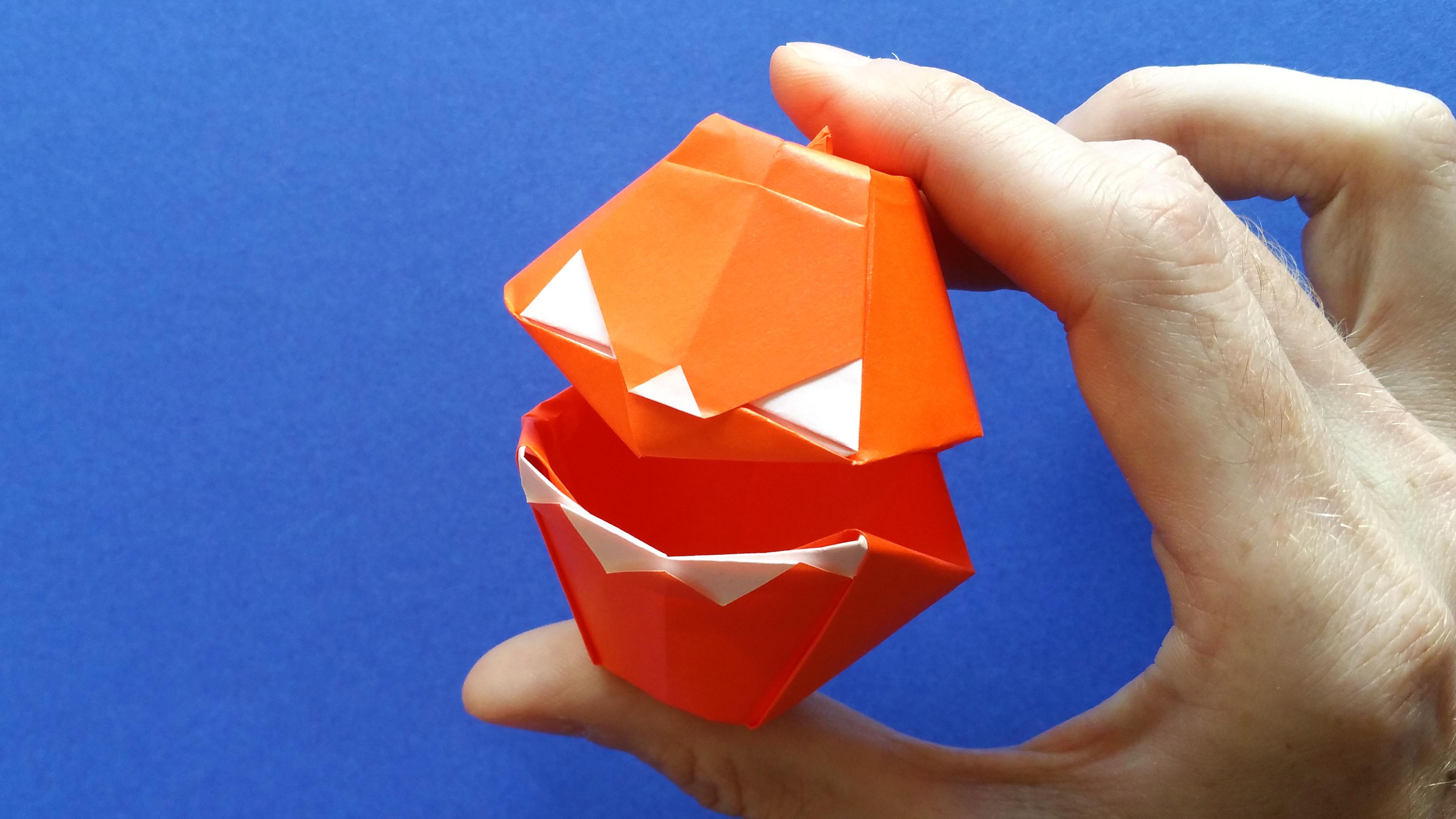 Une Citrouille Dhalloween En Origami Qui Parle